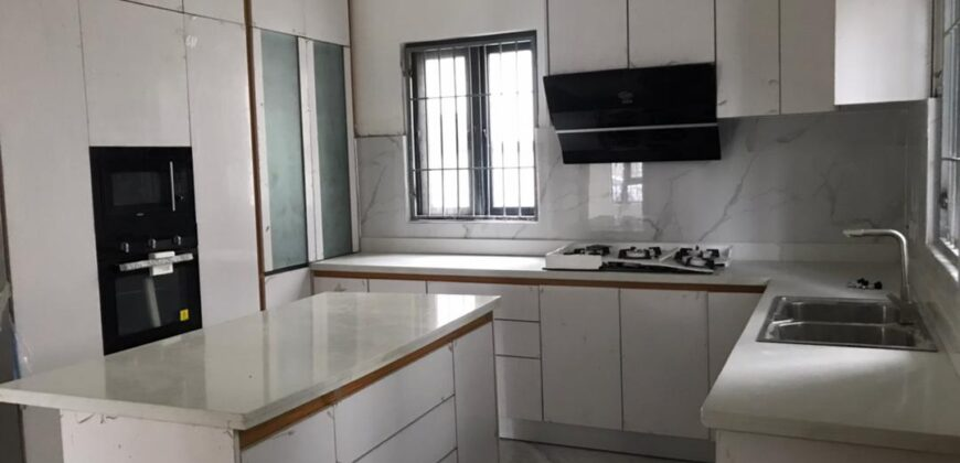 5 Bedroom Detached house with Domestic Quarters at Lekki Phase 1