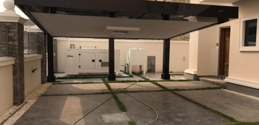 6 Bedroom Detached house with Domestic Quarters at Lekki Phase 1