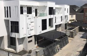6 Nos 5 Bedroom Detached house with Domestic Quarters